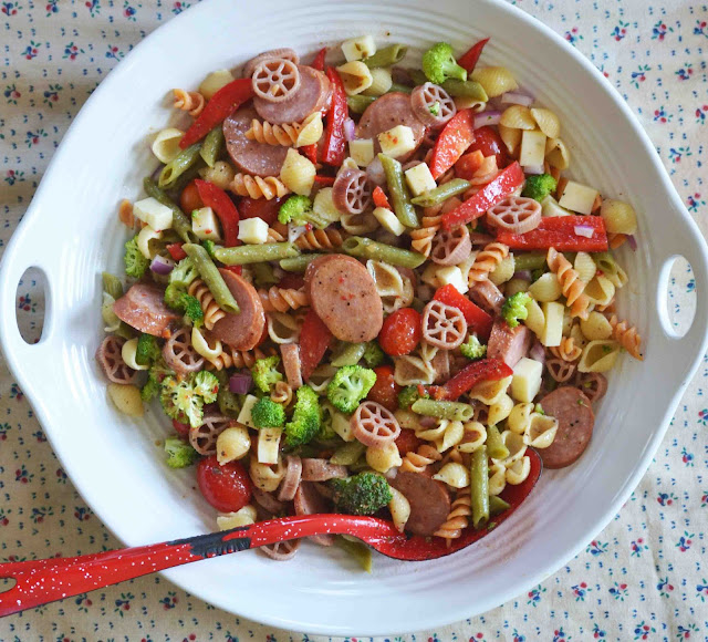 everything but the kitchen sink salad everything but the kitchen sink pasta salad easily 9652