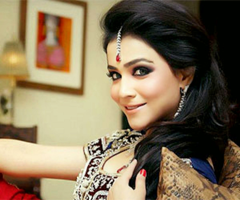 Humaima Malik - Pakistani Film Actress Latest Unseen ...
