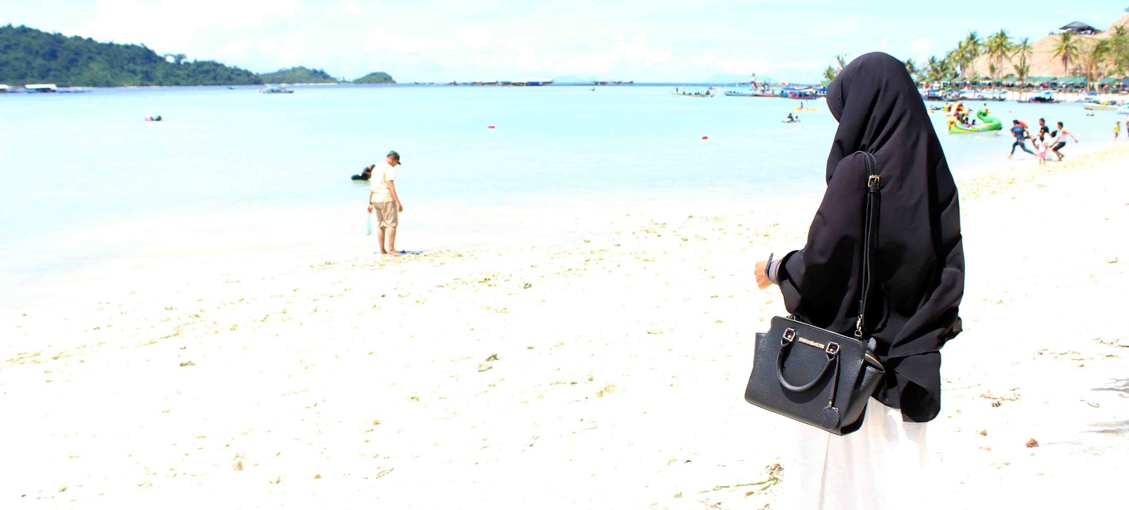 Foto Pasangan Romantis Muslim Di Pantai Nusagates