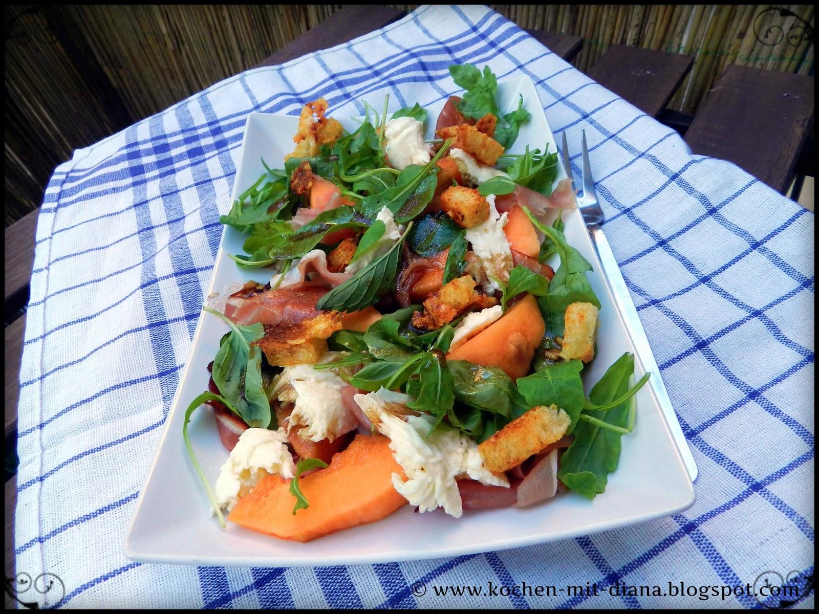 Mediterraner Melonensalat mit Parmesancroûtons