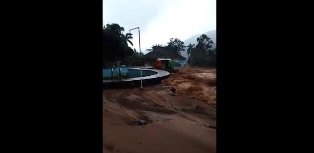 Ngeri! Video Detik-detik Villa di Cisarua Hanyut Diterjang Banjir Bandang