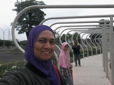 Lorong menuju Go Wet Grand Wisata Bekasi