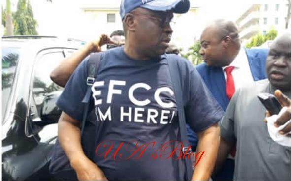 'EFCC I'm Here' –Fayose says via customised T-Shirt