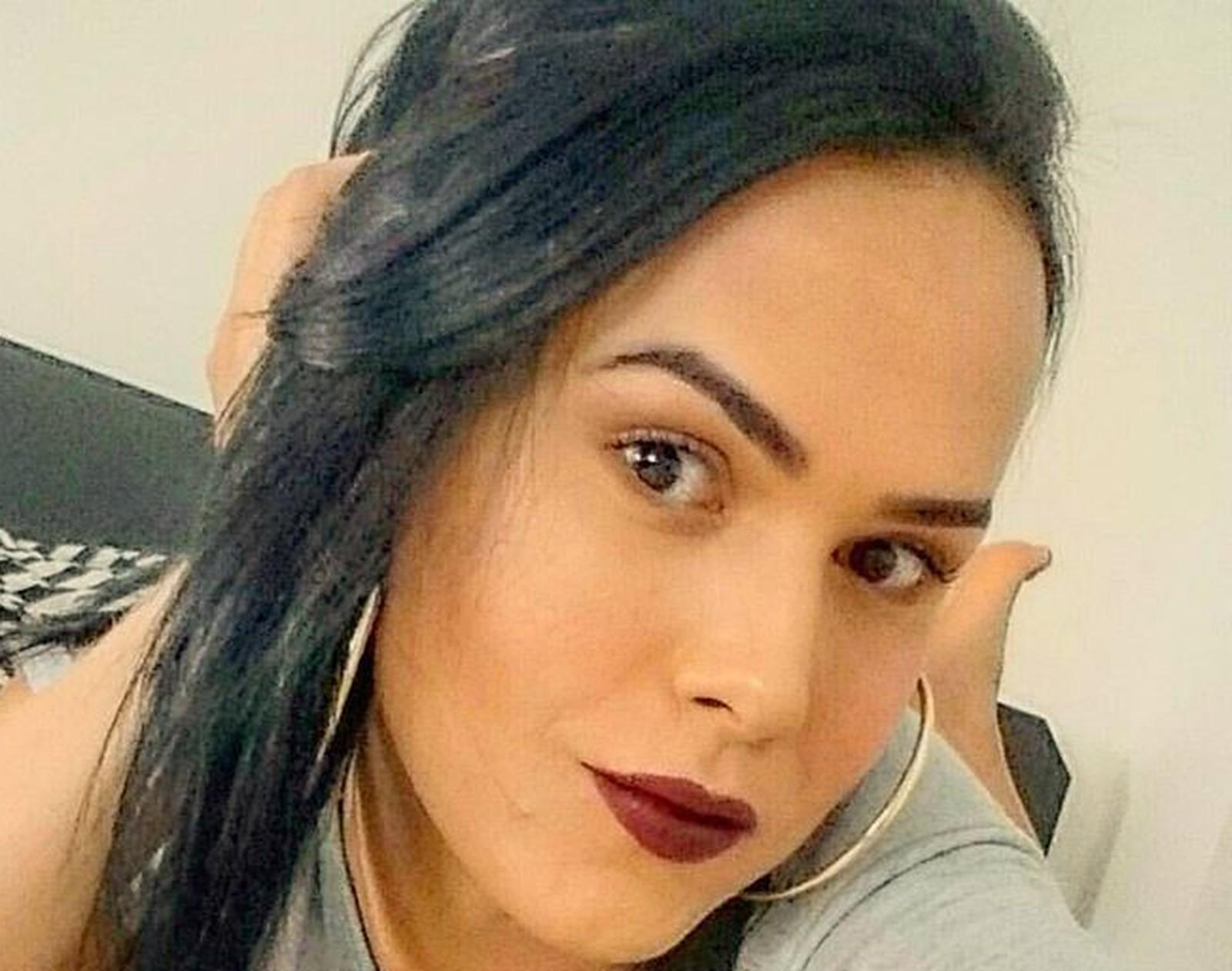 'Humilhada', diz transexual impedida de abrir crediário em loja com nome social