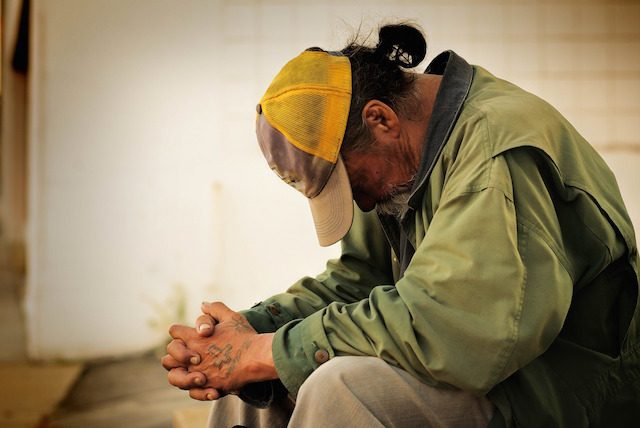 Μπορεί να είσαι άστεγος και εργαζόμενος