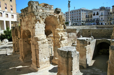 monumenti, resti romani, anfiteatro Lecce
