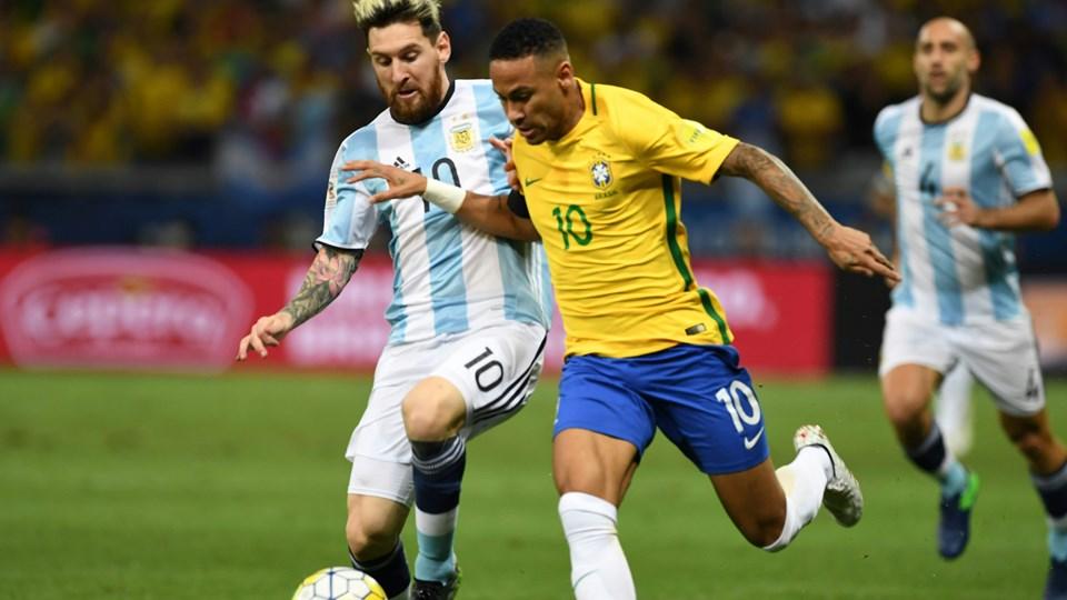 Neymar comemora gol de número 50 pela Seleção Brasileira d087cb954a19b
