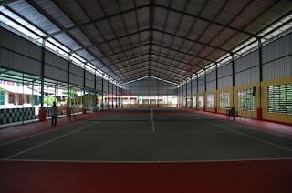 biaya renovasi lapangan tenis indoor