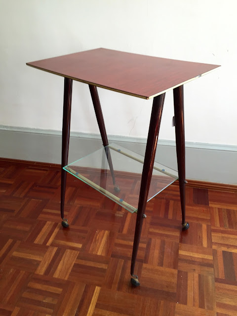 mesa de apoio, móveis vintage, decoração vintage, loja vintage, vintage
