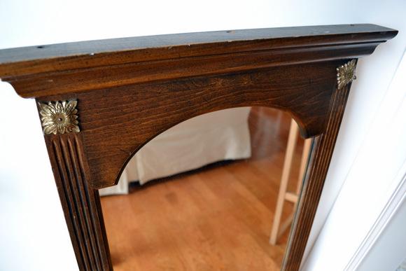 Wooden Mirror Detailing