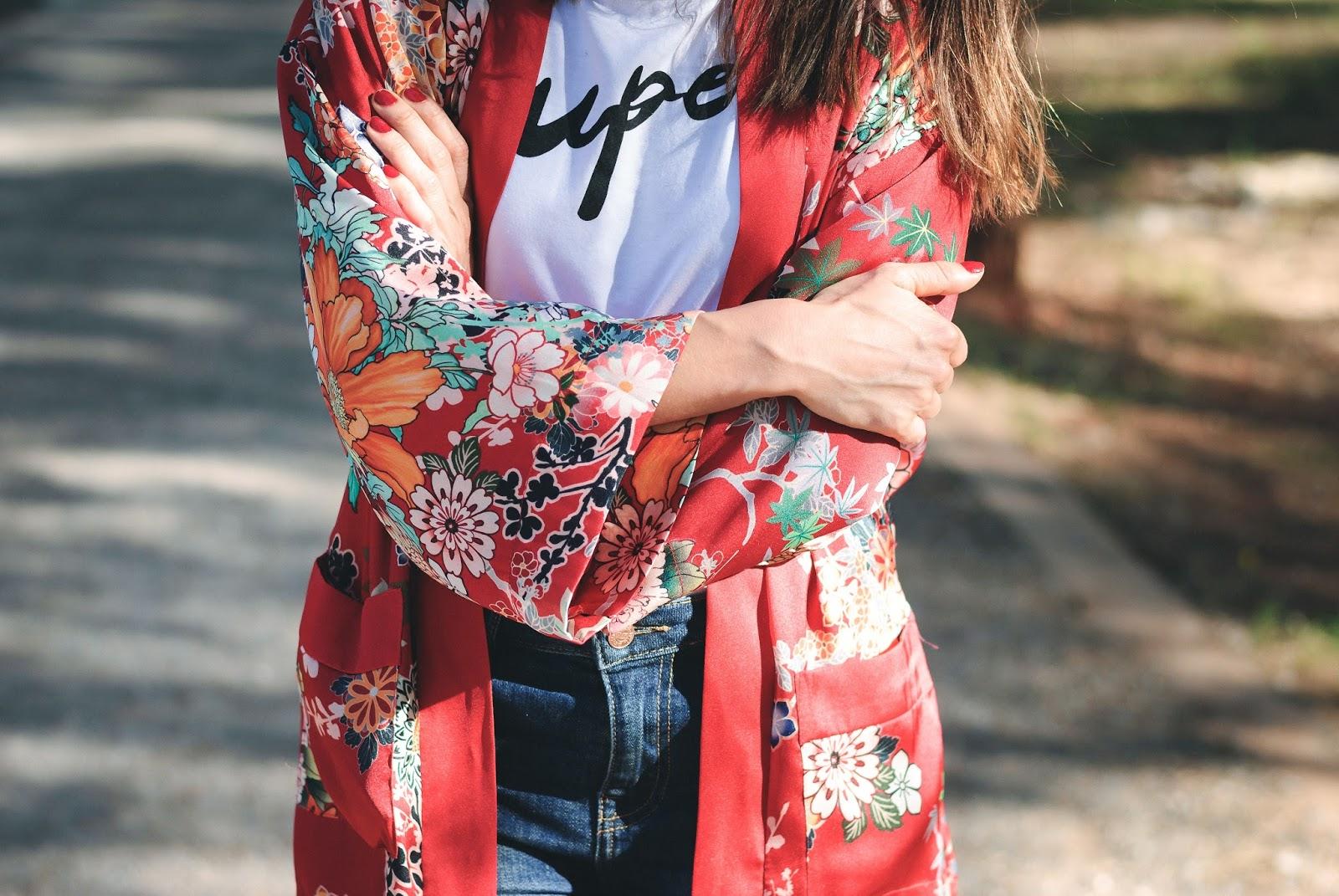 Red flowered Kimono Bershka