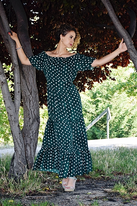 Outfit-Vestido-largo-verde-lunares-5