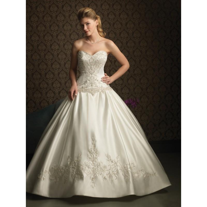 Ballroom Gown Wedding Dresses: Ballroom Lighting Pic: Ballroom Ball Gowns