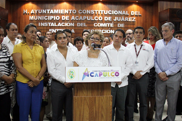 Adela Román entrega recepción Acapulco