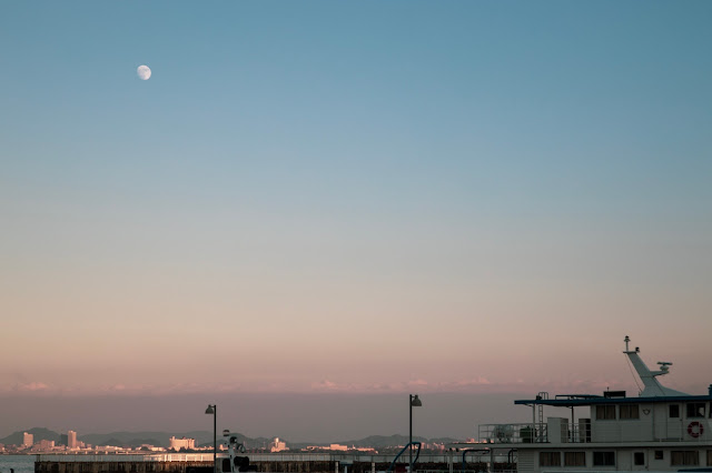 琵琶湖の夕空