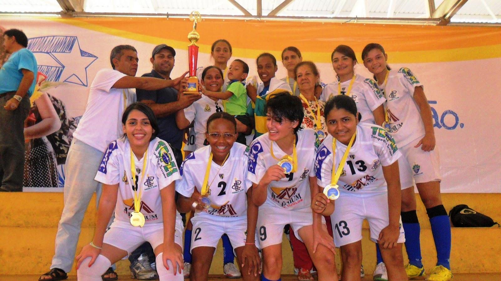 Equipe Campeã do Futsal Feminino - Paraíso do Tocantins. Definidos os  campeões ... ba4e74a5c5e88