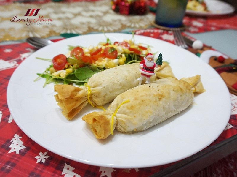 philadelphia cheese christmas prawns and spinach phyllo rolls