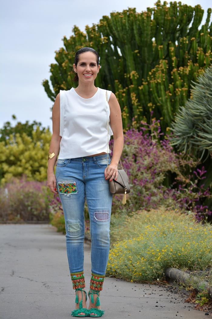 desigual-jeans-zara-top-aquazzura-sandals-outfit