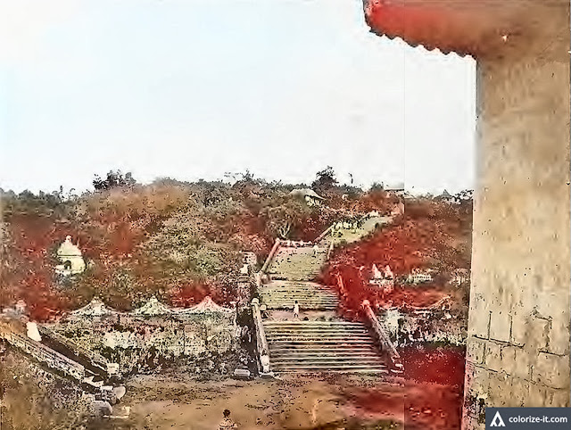 Old flight of stairs in Taal, Batangas.  Image source:  Facts and Figures about the Philippines.
