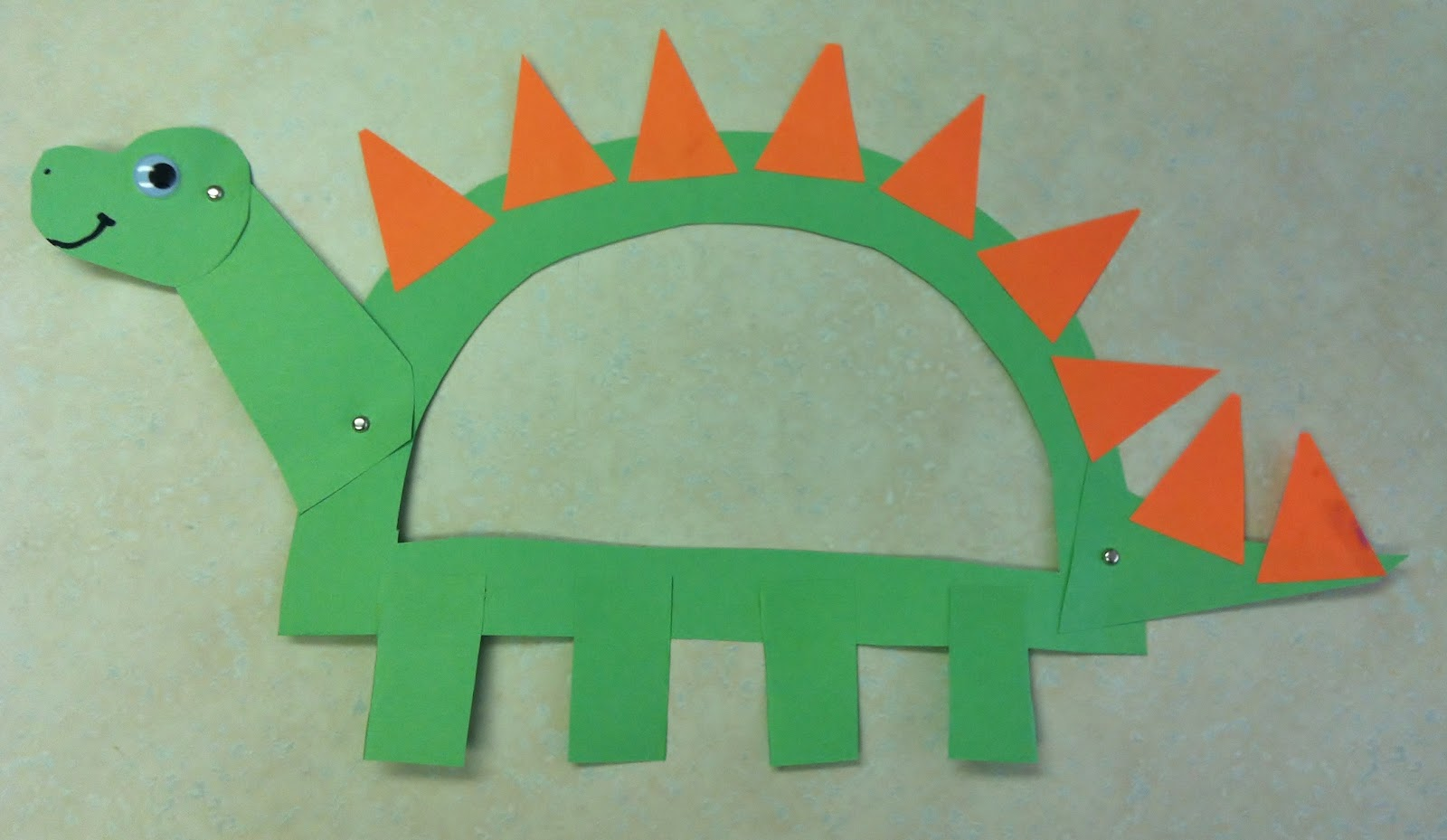 Letter d preschool crafts : Letter D Dinosaur Craft