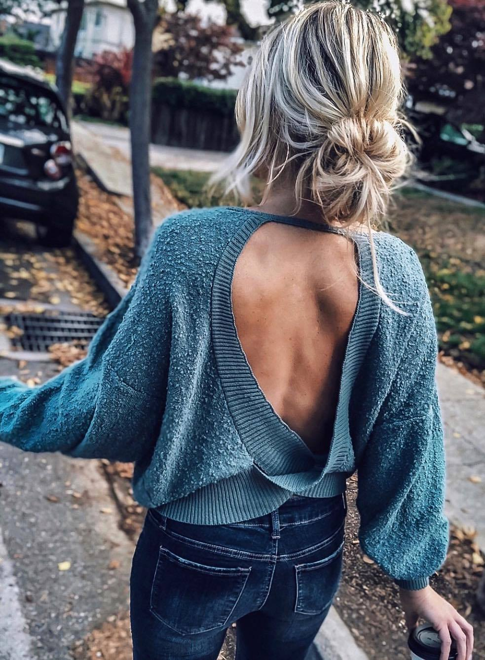 stylish look | knit open back sweater and skinnies
