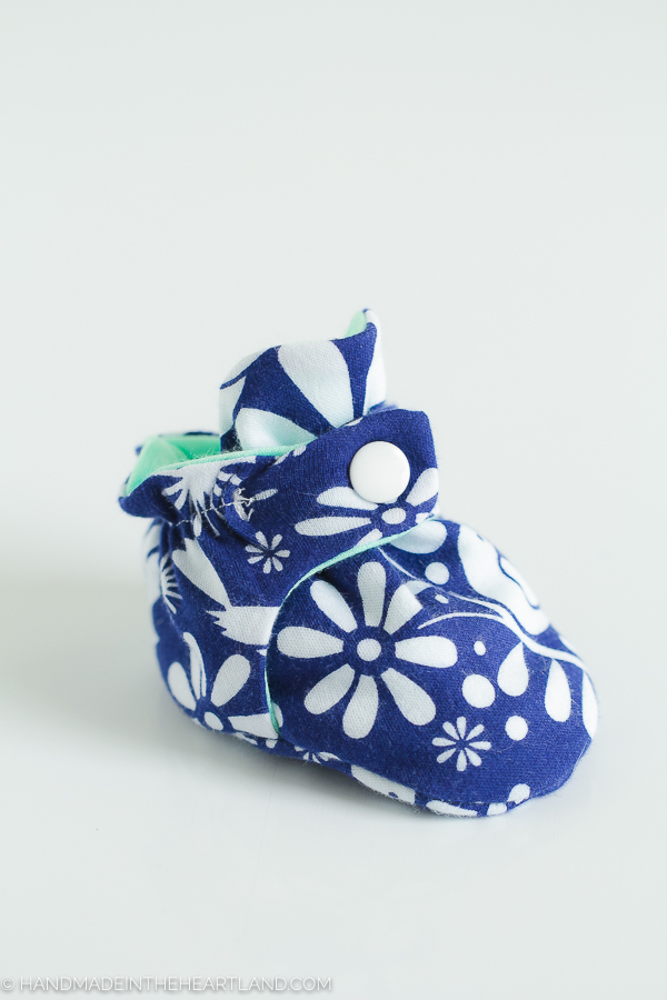 Free tutorial and pattern for baby booties