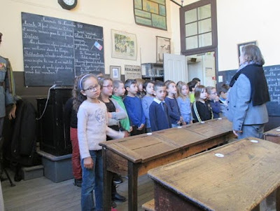 Première série de chant dans la salle 1900