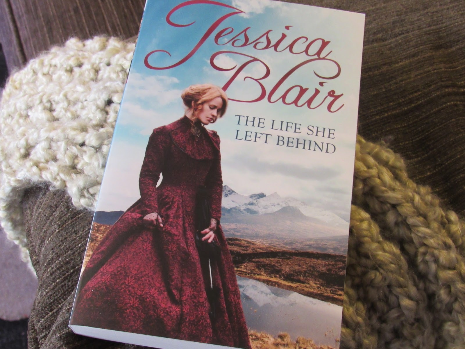 Blooming Fiction, Book Review | The Life She Left Behind
