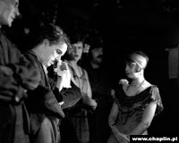 """Чарли Чаплин на съемках новогоднего эпизода из """"Золотой лихорадки"""" (1925) - 3"""