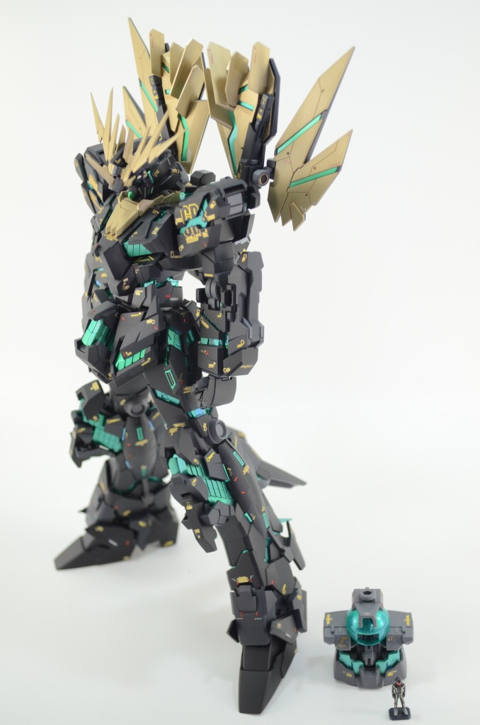 Custom Build: MG 1/100 Banshee Norn [Final Battle Version]