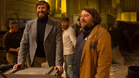 Ben Wheatley and Armie Hammer on the set of Free Fire (1)
