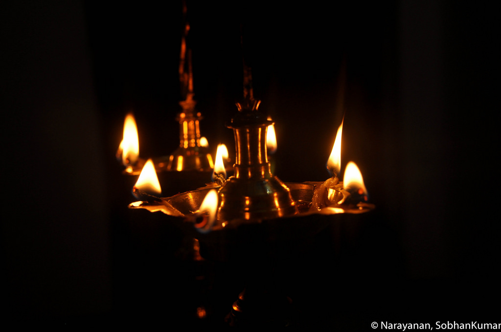 Lighting Lamp In These Ways Can Change Your Life And Attract Goddess Lakshmi