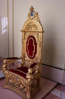 Αποτέλεσμα εικόνας για trono de ouro do papa