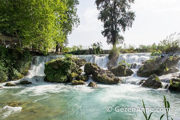 Tarsus şelaleleri şehrin yanı başında, Mersin