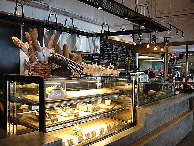 Eat drink kl baci italian cafe for Citta design outlet