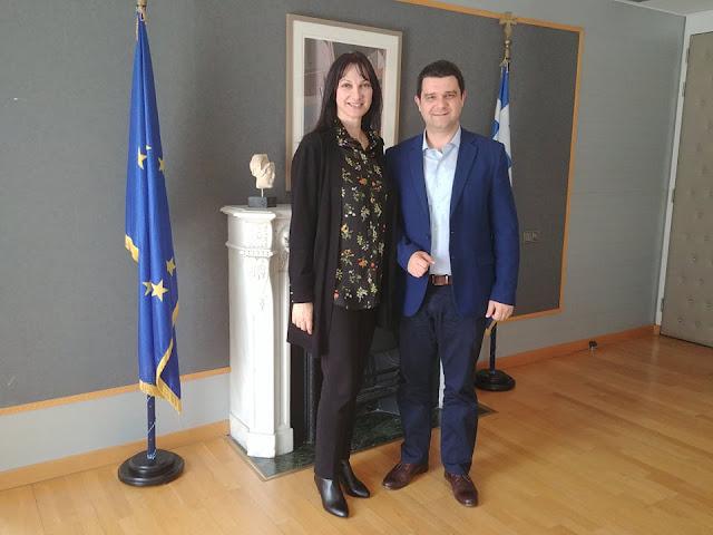 Συνάντηση του Μάριου Κάτση με την Υπουργό Τουρισμού Έλενα Κουντουρά για το τουριστικό προϊόν της Θεσπρωτίας