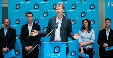 Tudta? A Fidesz annyira fél, hogy a mérhetetlen Liberálisokat is betámadtatta az ÁSZ-al