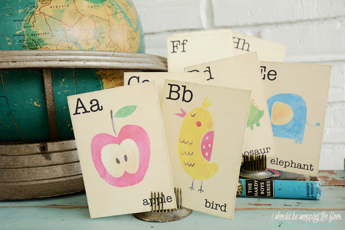 Free printable vintage flash cards - cute for back to school! From I Should Be Mopping the Floor