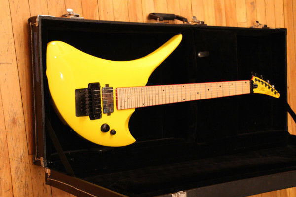 guitar blog this seven string 36 fret yellow gary kramer r36 is a beast in yellow. Black Bedroom Furniture Sets. Home Design Ideas