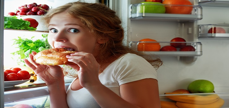 11 Foods That You Should Avoid Before Sleep