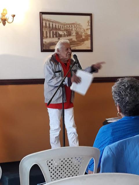 Martín Gustavo Díaz dirigiendo el evento.
