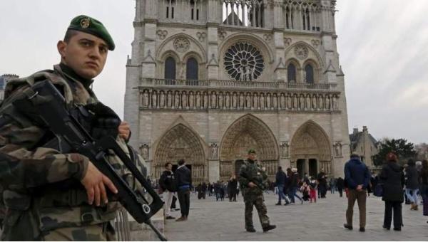 Francia prolonga estado de emergencia por seis meses