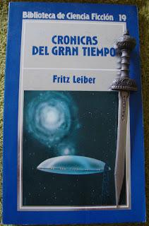 Portada del libro Crónicas del gran tiempo, de Fritz Leiber