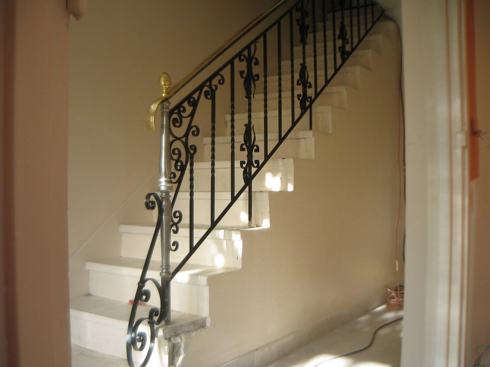 rampe d 39 escalier les pavillons sous bois 93. Black Bedroom Furniture Sets. Home Design Ideas