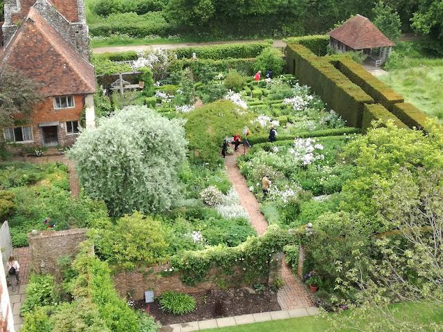 White Garden biały ogród