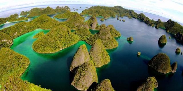 Pulau%2BWayag 4 Tempat Wisata Eksotis Di Papua Selain Raja Ampat