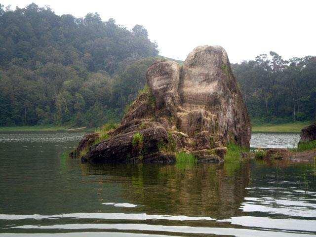 Batu Cinta Situ Patenggang Ciwidey Bandung