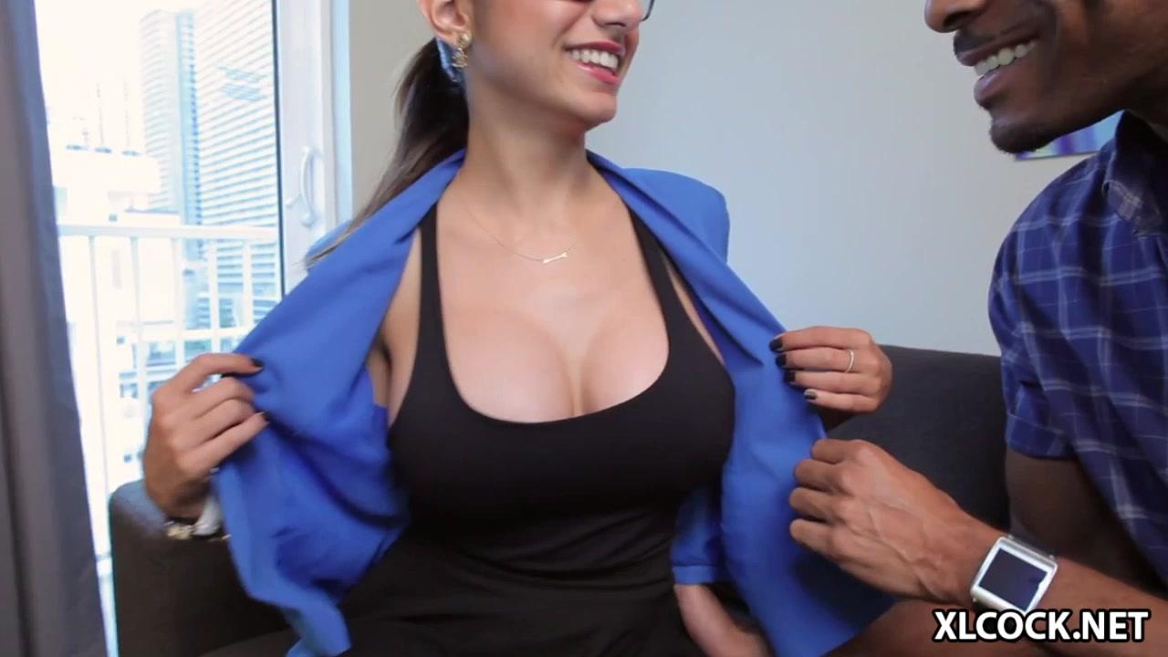 Mia khalifa big boobs in blue shirt Mia Khalifa Desi Hot Indian 30 Near Naked Pornstar Mia Khalifa With Big Boobs