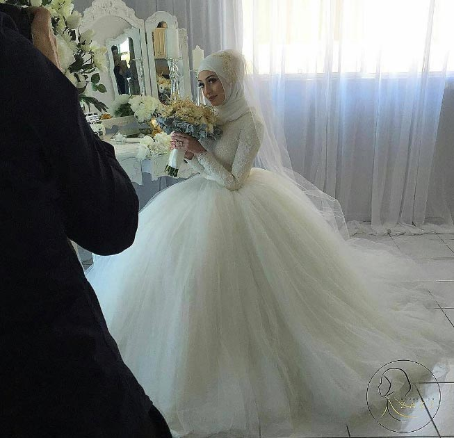 Aww! Picture of pretty muslim bride in Hijab has got people talking