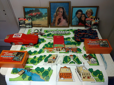 New (and Old) Dukes Stuff - 03/15/2017 - Ertl Cases & Map, Framed Pictues, Bank & More